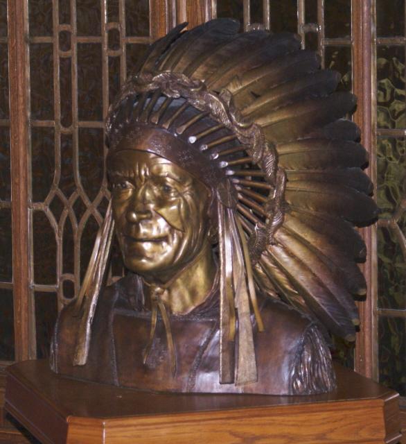 Indianer am Eingang des Senatssaals des Parlaments von Ottawa