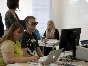 Website Test mit Eye Tracking am Stand des Fachbereichs
